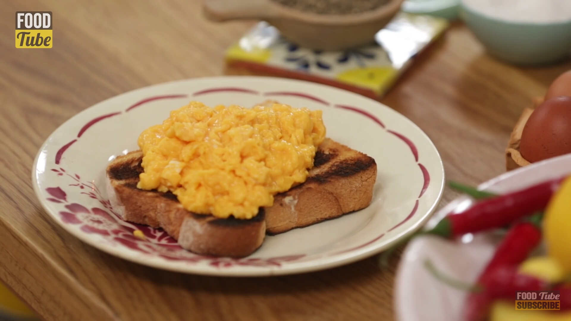 scrambled eggs-Món trứng khuấy kiểu Anh vừa đơn giản vừa hấp dẫn!